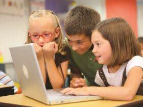 Anak Biasanya Berinteraksi dengan Predator Online di Video Chat