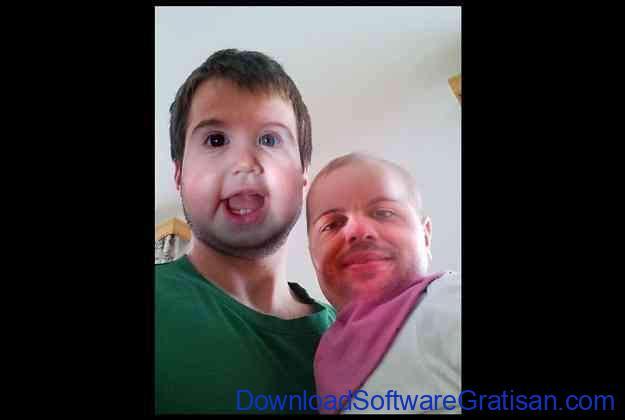 Aplikasi video tukar wajah Auto Face Swap